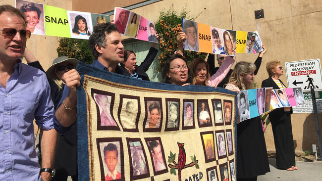 la-snap-protest-cathedral-of-our-lady-of-the-angels-20160228